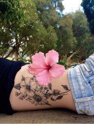 一组女生喜爱的简单小清新文艺纹身图案