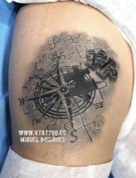 多款帅气的黑灰点刺技巧几何元素指南针纹身图案