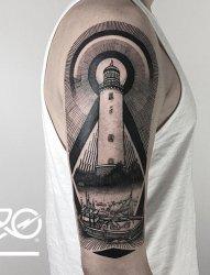 男生手臂上黑色线条素描点刺技巧创意灯塔纹身图案
