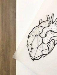 黑色线条素描创意个性心脏纹身手稿