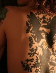 性感美女背部迷人天使刺青