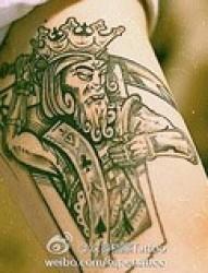 手臂个性肖像纹身图片