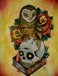 站在骷髅头上的傲慢猫头鹰