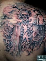 介绍一款大气的后背骷髅纹身图案