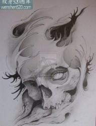 时尚很酷的一张欧美写实骷髅纹身图案