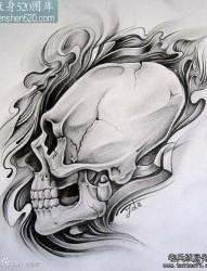流行时尚的一张黑灰骷髅纹身手稿