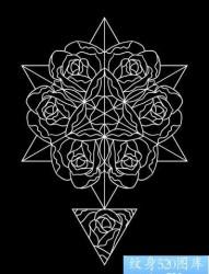 一张前卫精美的玫瑰花纹身手稿
