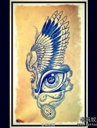 前卫流行的一张翅膀与眼睛纹身手稿