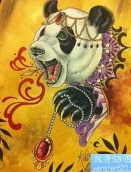 一张经典流行的熊猫纹身图片