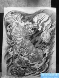 流行很帅的一张满背麒麟纹身手稿