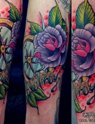 超流行的手臂school玫瑰花指南针纹身图片图案
