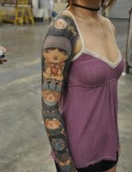 女孩子的花臂纹身