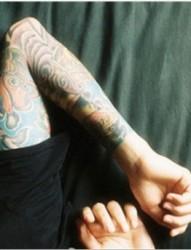 男人手臂花臂彩色图腾欧美刺青