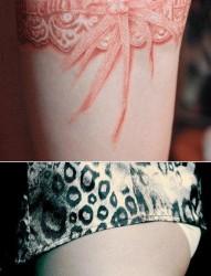 女人腿部性感流行的蕾丝纹身图片