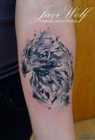 小臂泼墨老鹰黑灰纹身图案