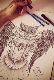 欧美黑灰猫头鹰纹身图案手稿