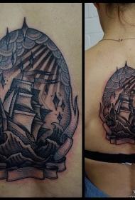 背部欧美帆船海浪黑灰纹身图案