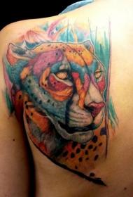 漂亮的彩色豹子背部纹身图案