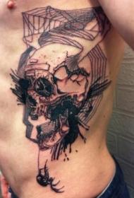 侧肋水墨抽象风格的恶魔骷髅和鹿角纹身图案
