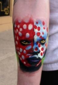 写实风格的七彩部落女性肖像手臂纹身图案