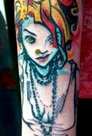 手臂彩色朋克小女孩和小黑猫纹身图案