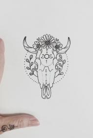 牛头骷髅花蕊纹身图案手稿