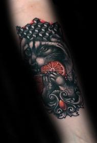 新传统风格的彩色浣熊和橙子手臂纹身图案