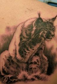 可爱的山猫背部纹身图案