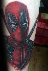 难以置信的彩色死侍画像手臂纹身图案
