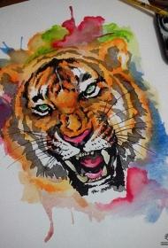 欧美彩色泼墨老虎头像纹身图案手稿