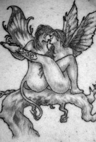 树上的女性堕落天使纹身图案