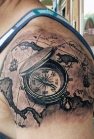 大臂3D黑色的指南针与地图纹身图案