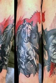 小臂抽象风格的彩色印度战士和马纹身图案