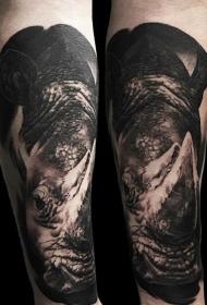 手臂3D逼真的黑暗犀牛纹身图案