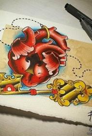 欧美school心脏锁和钥匙纹身图案手稿