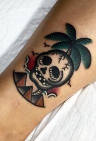 old school彩色的棕榈树骷髅和金字塔脚踝纹身图案
