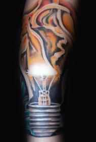 写实风格彩色的燃烧电灯泡手臂纹身图案