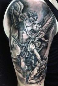 手臂old school黑色天使战士与恶魔纹身图案