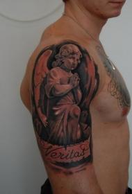 大臂祈祷的悲伤天使纹身图案
