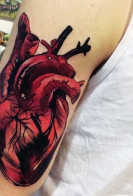 手臂3D逼真的彩色心脏纹身图案