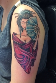大臂诱人的亚洲艺妓与红色和服纹身图案