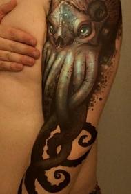 手臂很酷的写实恶魔章鱼纹身图案