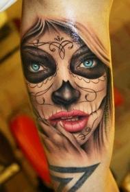 美丽的蓝色眼睛死亡女郎纹身图案