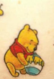 小熊维尼熊和蜜蜂卡通纹身图案