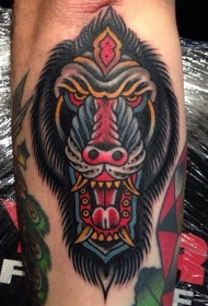 小臂多彩的狒狒头纹身图案