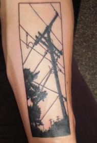 黑色的电缆线与树木纹身图案
