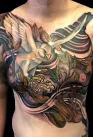 胸部天然彩色美丽的鹰与树枝纹身图案