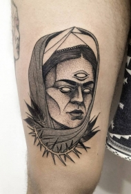 大腿黑色点刺恶魔女人和荆棘纹身图案