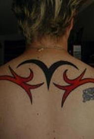 背部黑色和红色部落符号纹身图案
