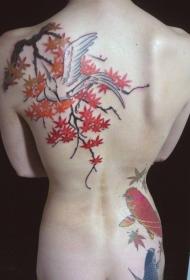 背部可爱的小鸟和锦鲤鱼枫叶纹身图案